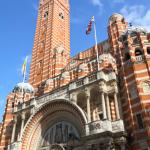Opomíjenou zajímavostí Westminsterské katedrály, postavené v  novobyzantském stylu, je zvonice, z níž je nádherný výhled na město.