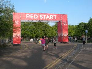 Červený start londýnského maratonu