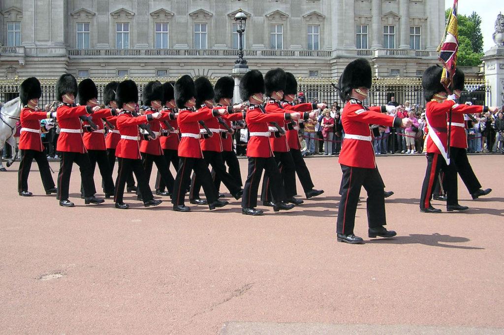 Výměna stráží u Buckinghamského Paláce